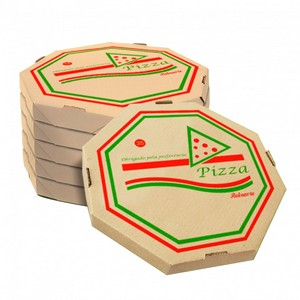 Caixa de pizza no forno